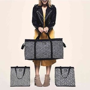 NWT DSW 3 Piece Bag Set in Black and White Print
